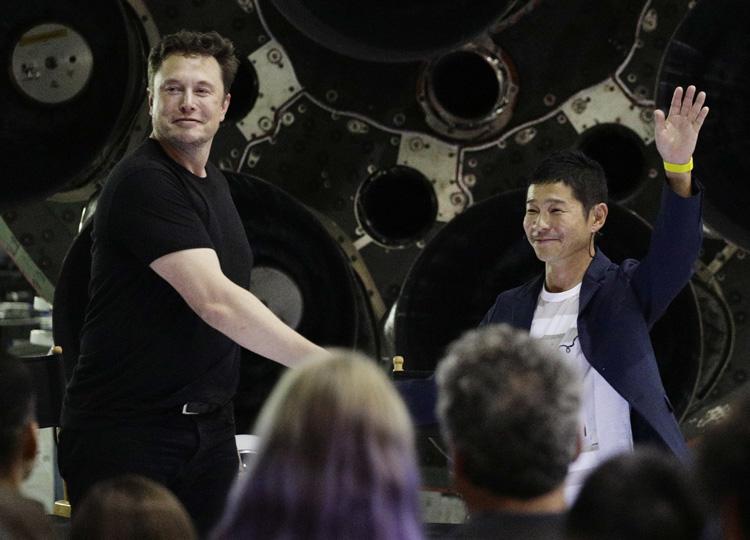 スペースX、初の月旅行者についてゾゾタウン社長の前澤友作氏と発表