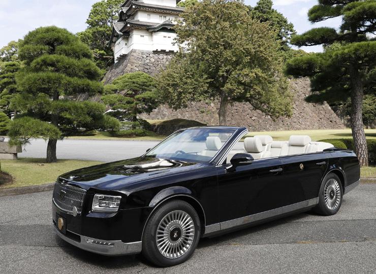「祝賀御列の儀」で天皇、皇后両陛下が乗るオープンカー
