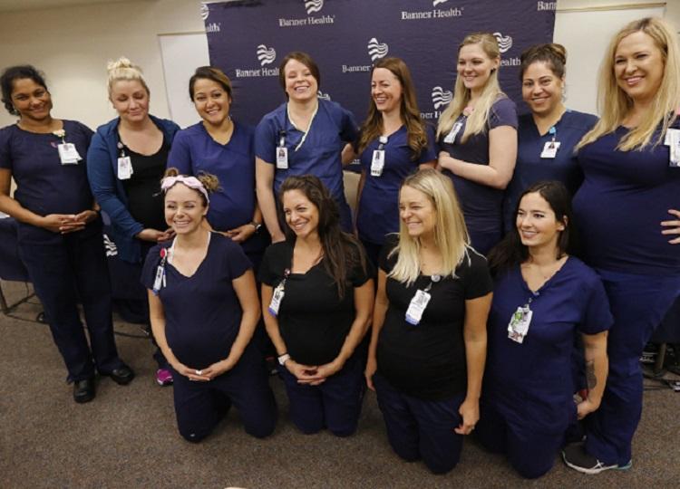 妊娠している16人中、12人の看護師が記者会見に臨んだ。AP
