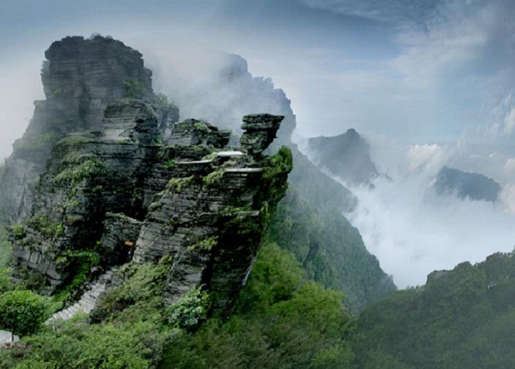 貴州省東北部銅仁市の梵浄山