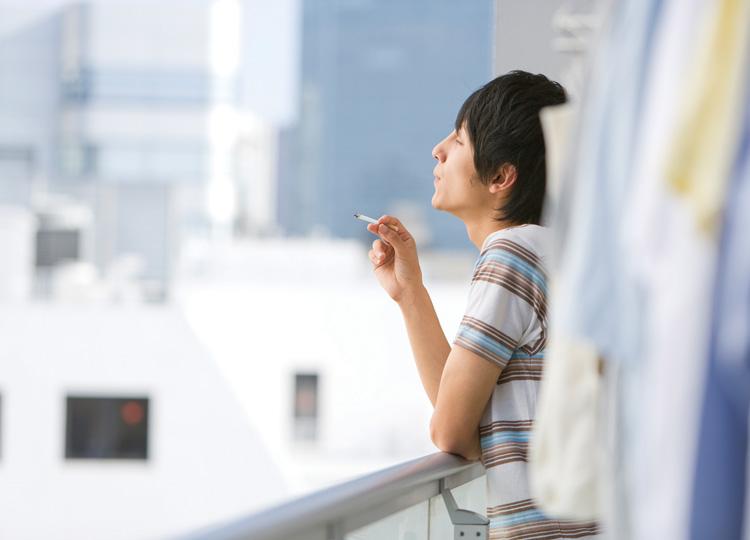 家での喫煙をめぐる議論