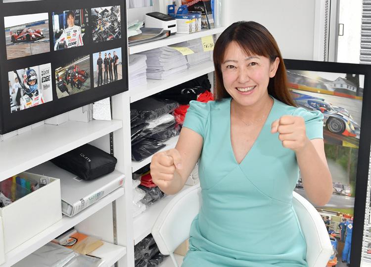 レーシングドライバーの井原慶子さん
