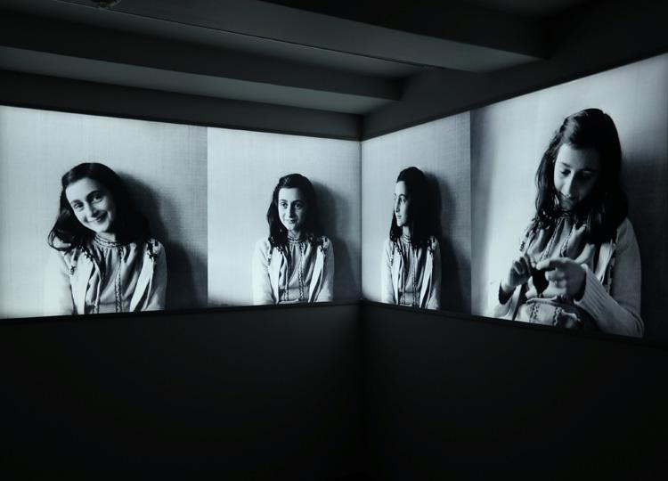 「アンネ・フランクの家」に飾られている写真