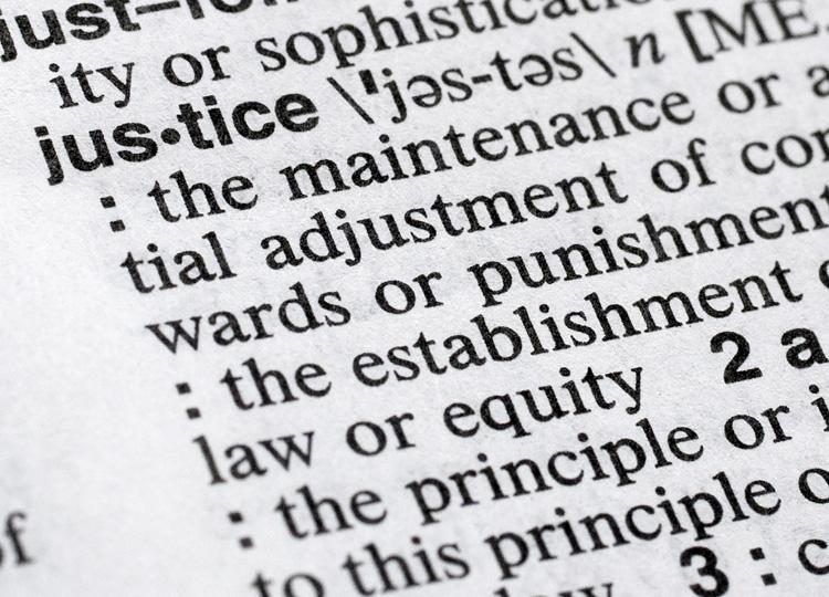 英英辞典で人々が最も調べた語、218年はjustice(正義)と発表