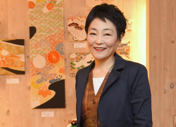 着物や帯をリメイクする Kimono Tango の代表、高橋千鶴子さん