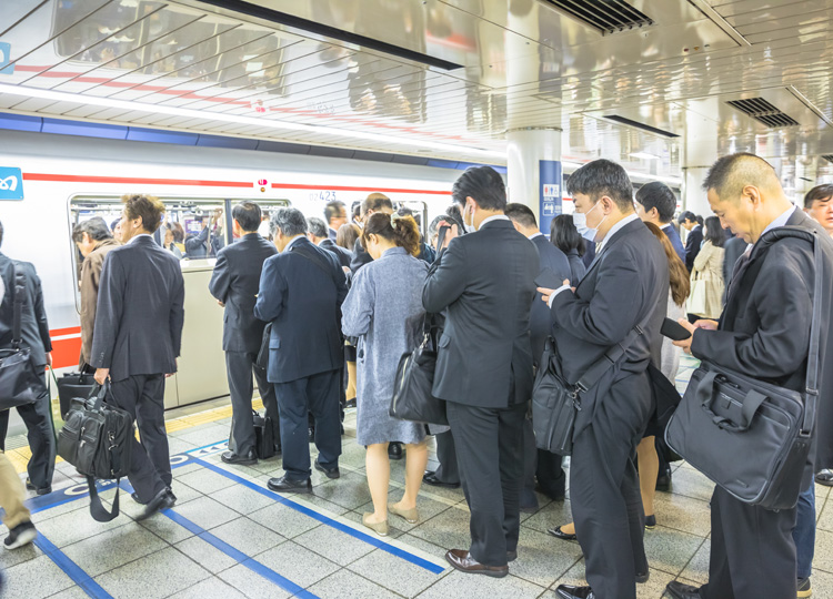 Tokyo Metro offers free soba in effort to reduce crowding in trains