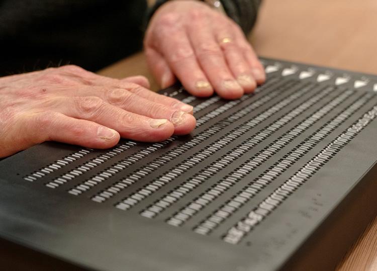 視覚障害用のEブック、英国の企業が開発、発売へ