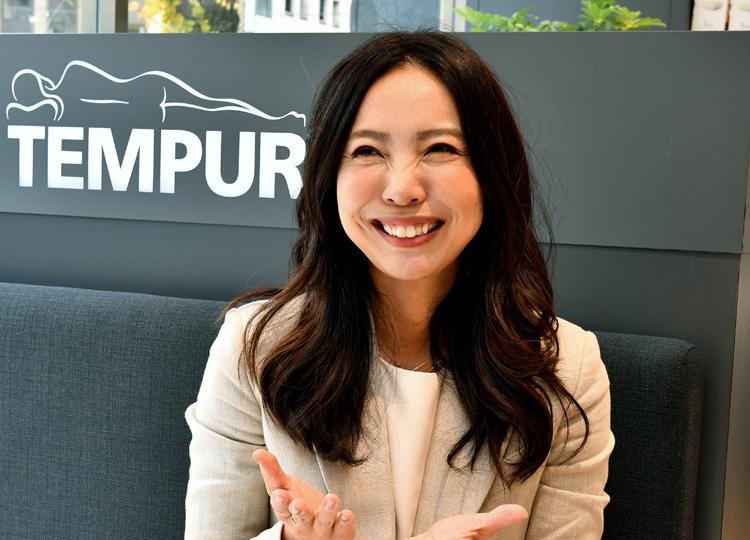 テンピュール・シーリー・ジャパンのマーケティング&ダイレクト部シニアマネージャーを務める吉永寛子さん