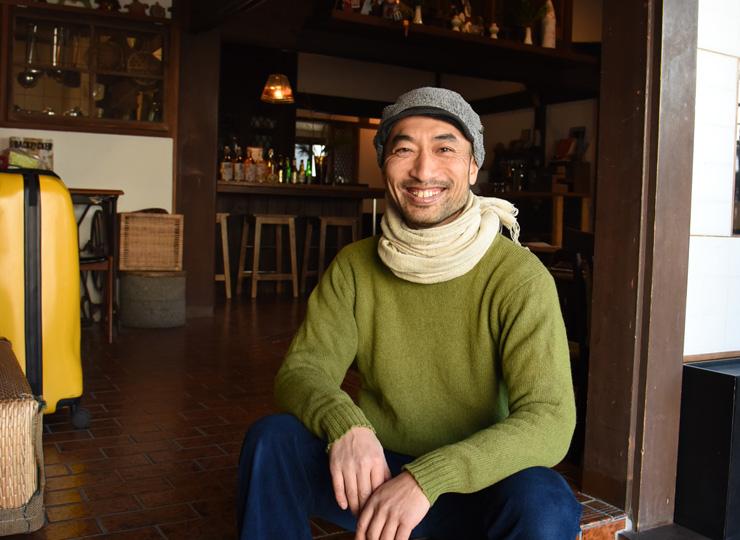 鎌倉でゲストハウス「亀時間」を営む櫻井雅之さん