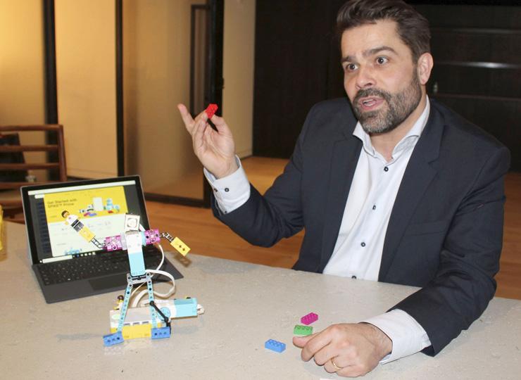 遊び感覚でプログラミングが学べる レゴが新しいツールを発表
