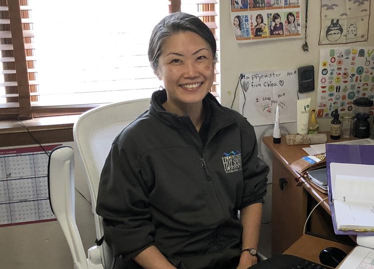 アラスカのチナ温泉リゾートで働く時田雅子さん