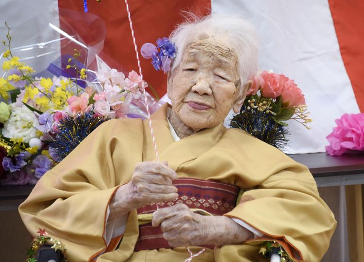 世界最高齢の田中カ子さん、117歳の誕生日で記録更新
