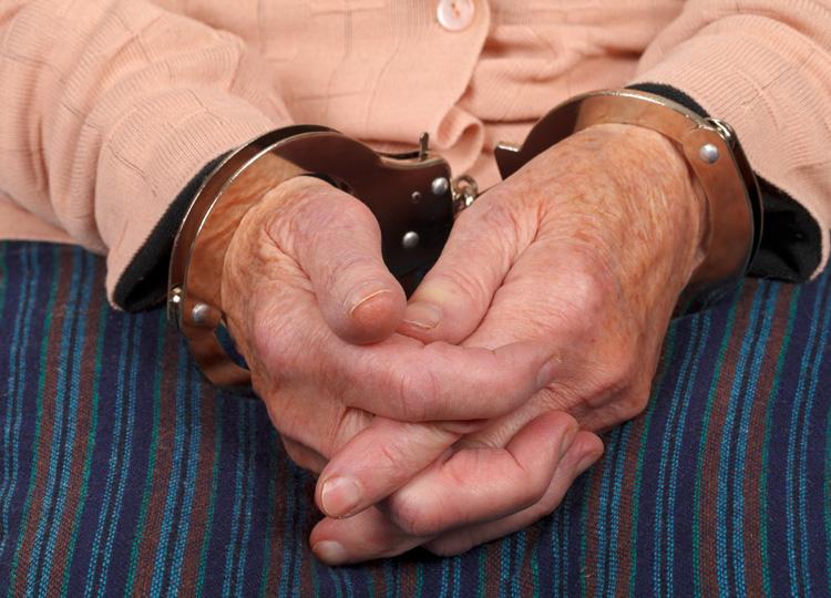 米ノースカロライナ州の女性 100歳の記念に「刑務所に入る」夢実現