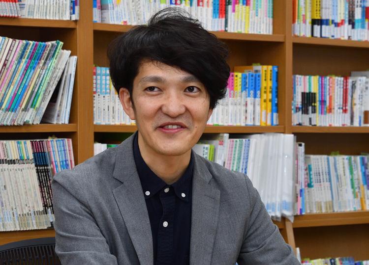 英語学習情報誌ENGLISH JOURNALの編集長、水島潮さん。