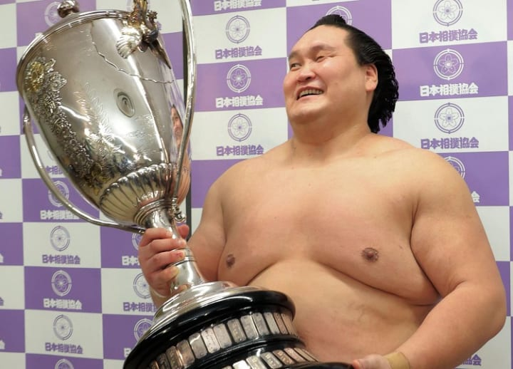 Terunofuji caps dramatic comeback with second title