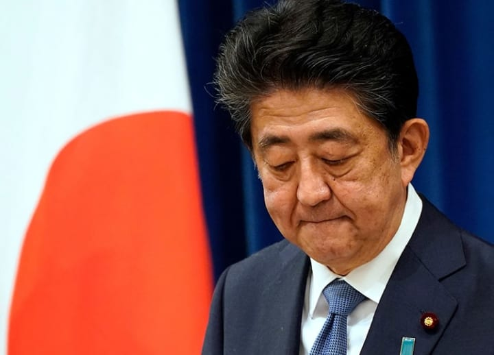 Abe resigns due to illness, leaving many issues unresolved