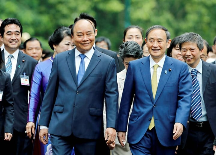 Suga and Vietnamese PM meet, with focus on economic and defense cooperation