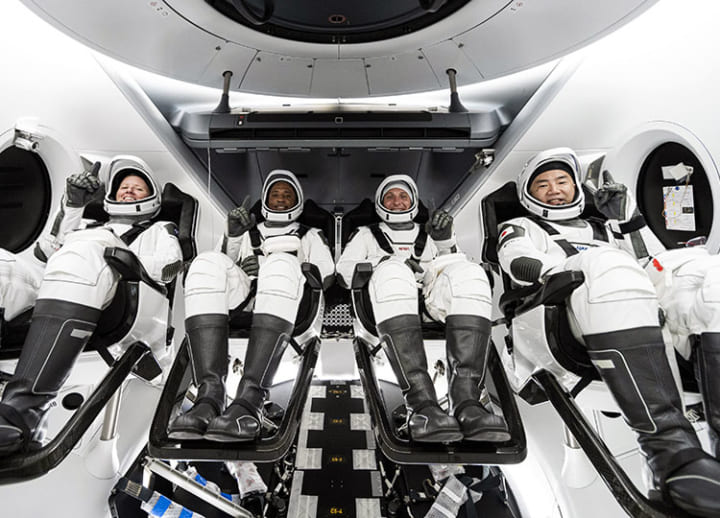Noguchi and US astronauts arrive at ISS in SpaceX ship