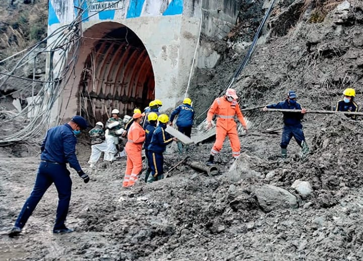 Rescuers in northern India digging for workers trapped in Himalayan glacier flood