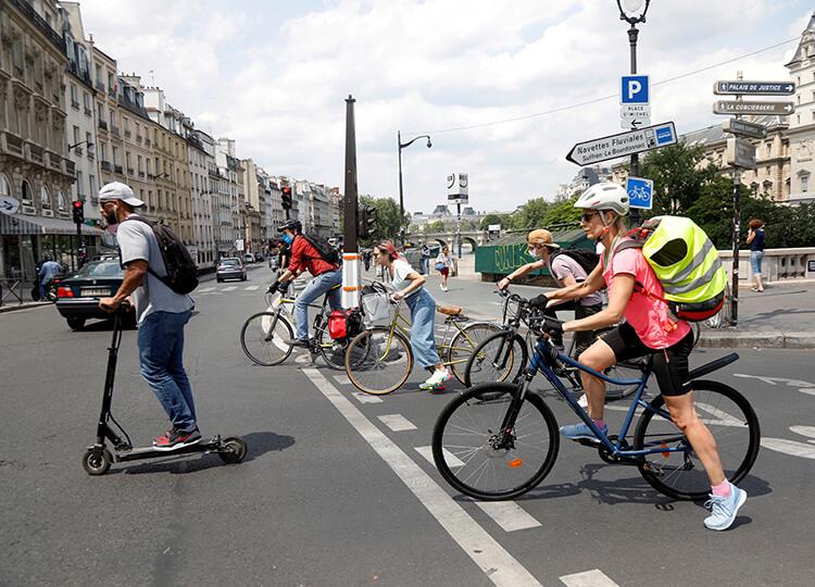 フランスの気候変動対策 ガソリン車下取りで自転車購入補助