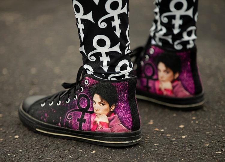 ペイズリー・パークを訪れたファンが履いていた靴