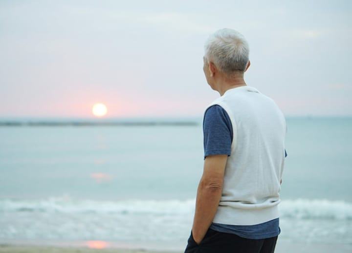 Government survey: Japan's elderly have fewest close friends among four countries
